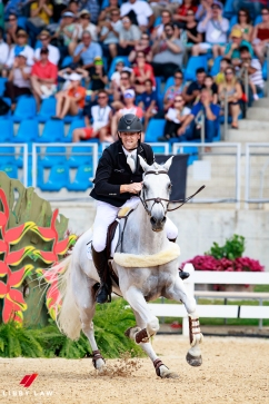 NZL-Clarke Johnstone rides Balmoral Sensation during the Team Jumping Final for the Equestrian Eventing. Rio 2016 Olympic Games, Centro Olímpico de Hipismo, Rio de Janeiro, Brazil. Tuesday 9 August. Copyright photo: Libby Law Photography